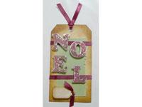 étiquette cadeau réalisée en scrapbooking avec Peel Off