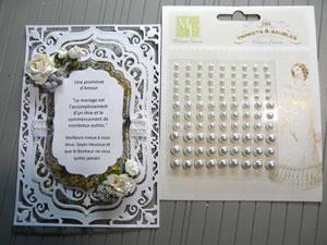 Carte de mariage avec ruban et perles blanches