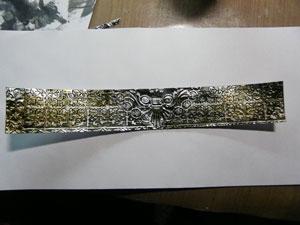 Vieillir le papier métallique avec alcohol ink